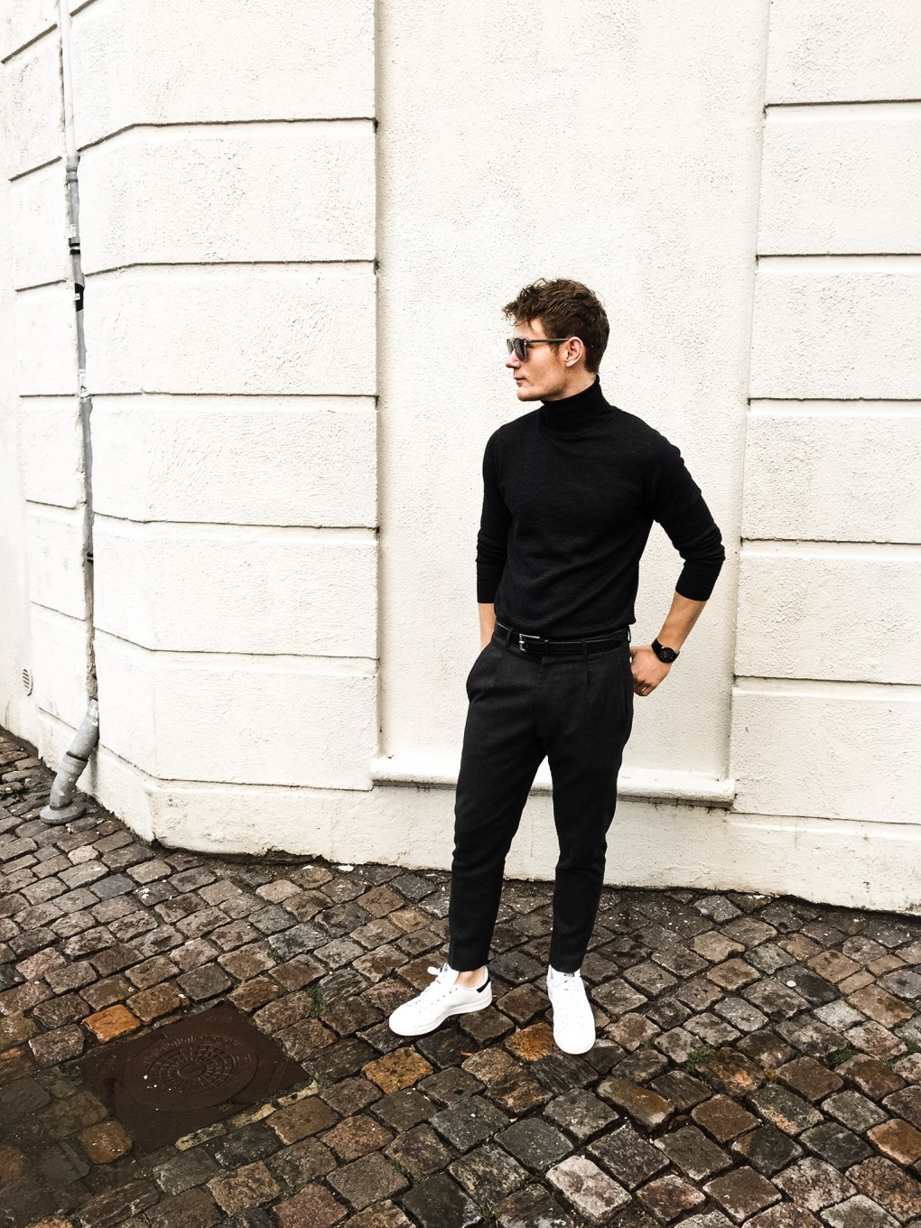 Simply a cool roll neck outfit